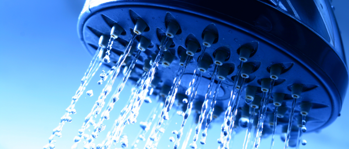 Koud douchen gelinkt aan minder ziekteverzuim