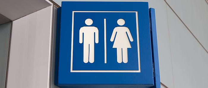 Plasklachten: het verschil tussen mannen en vrouwen