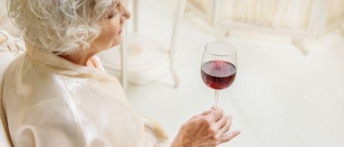 Overmatig drinken versnelt spierverlies bij oudere vrouwen