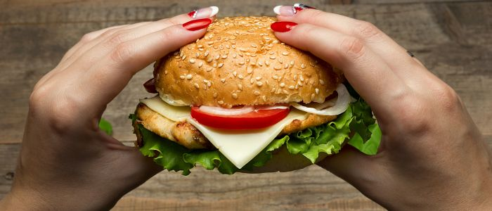 Fastfood dichtbij huis zorgt voor grotere kans op hart-en vaatziekten