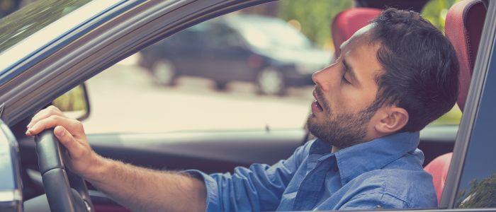 Autostoel wiegt bestuurder in slaap