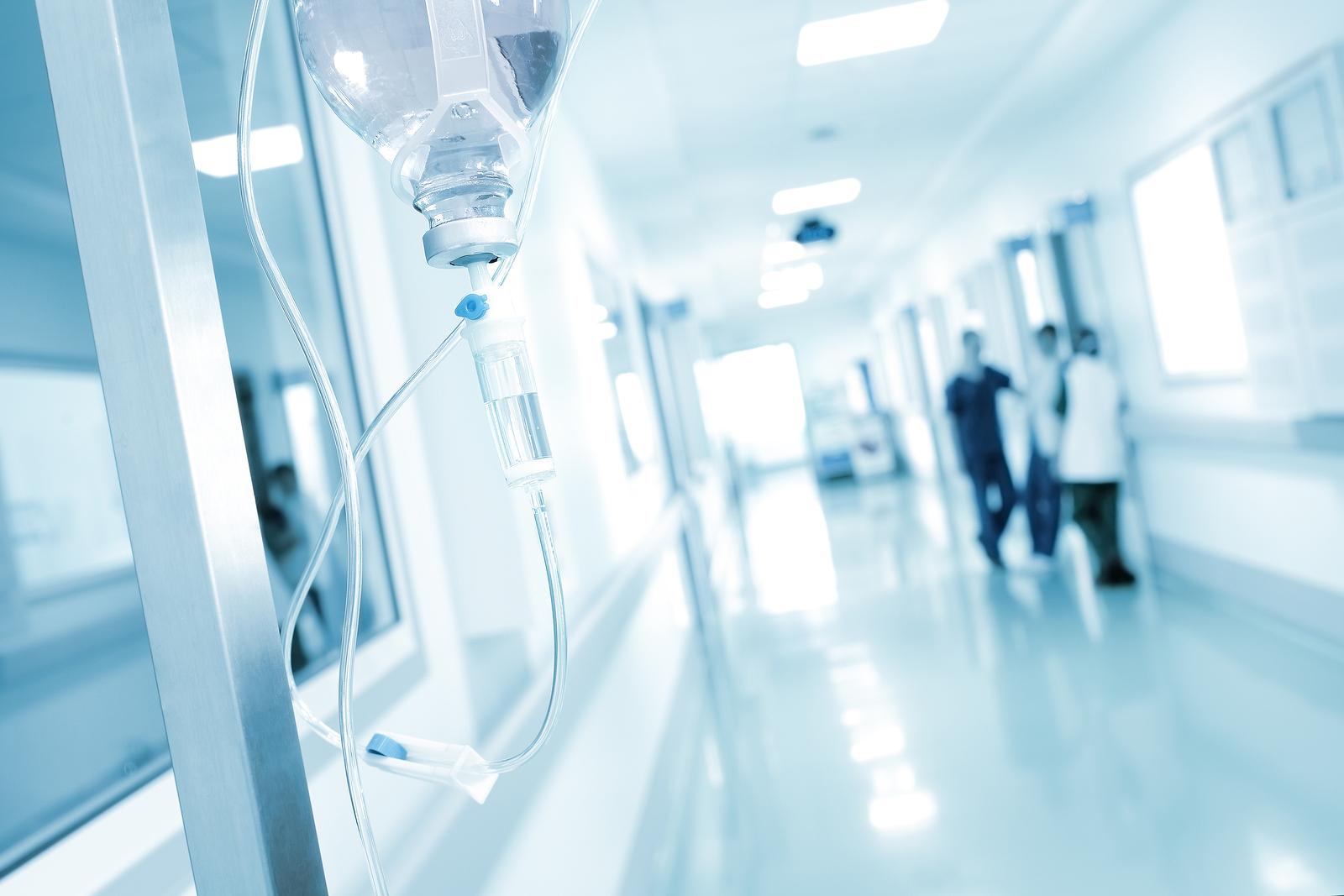 Wanneer word je met etalagebenen doorverwezen naar het ziekenhuis?